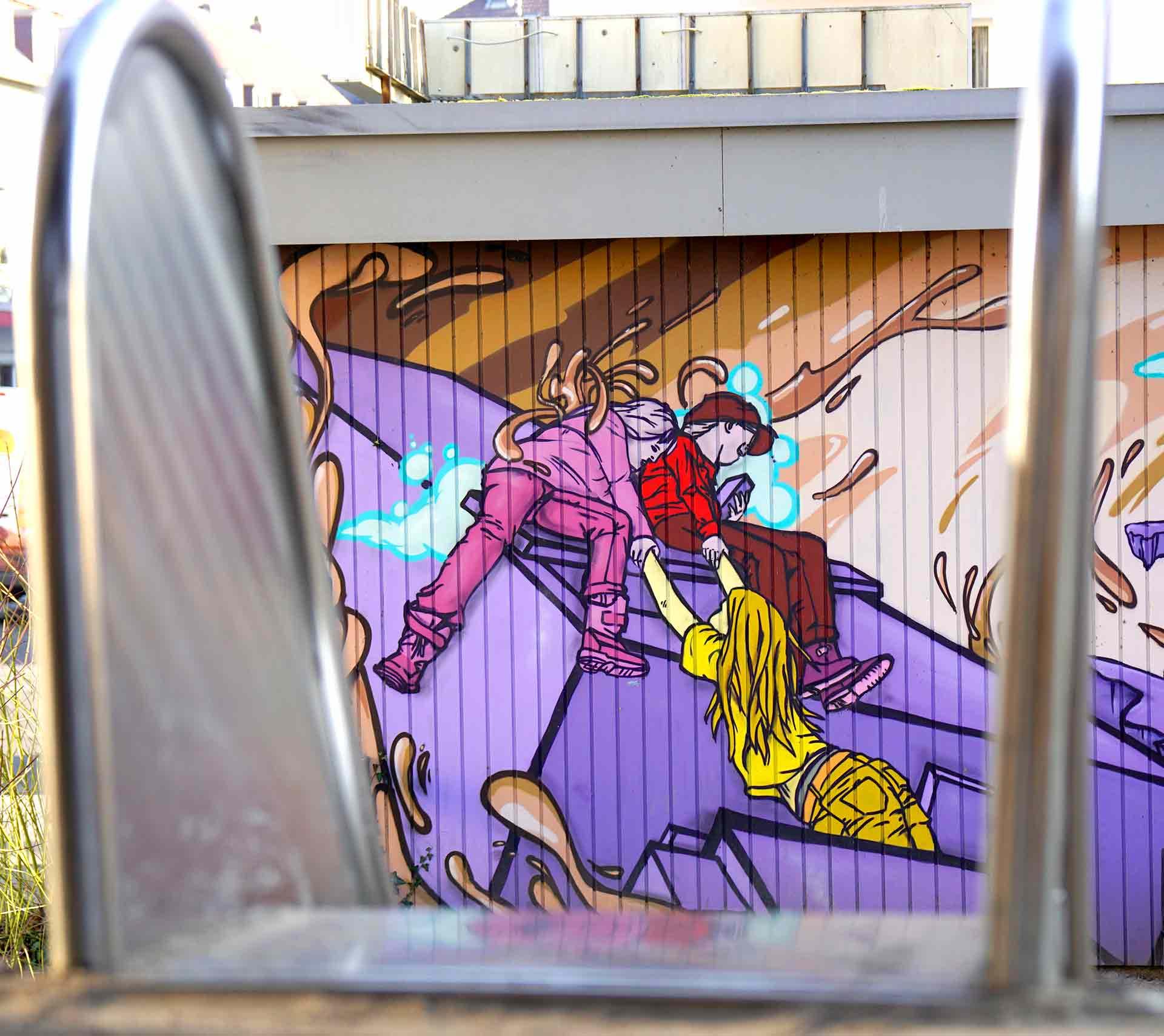 Spielplatz mit Graffiti Suedstadt
