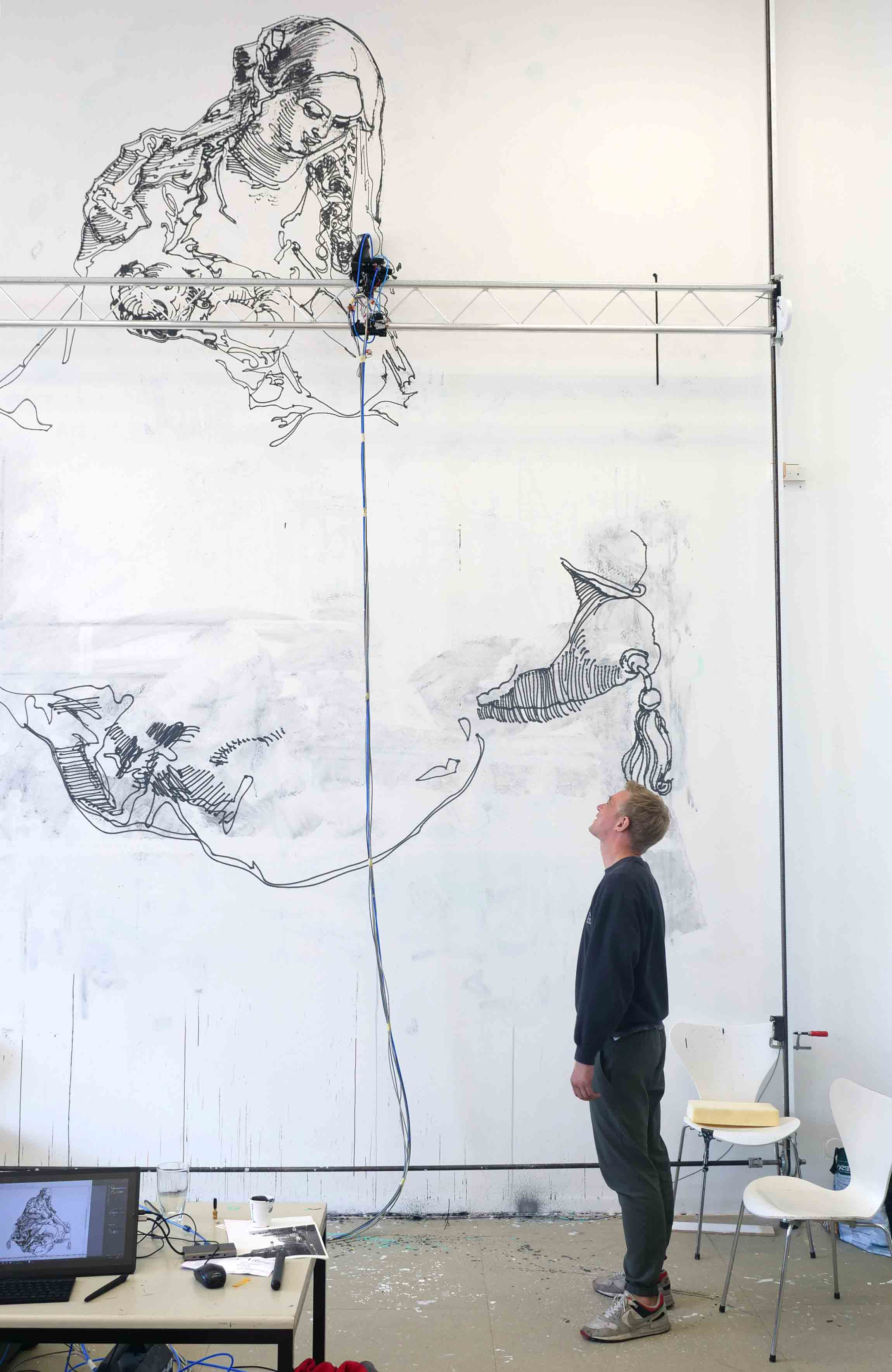 Gregor mit Spraybot Graffiti im Sprengel